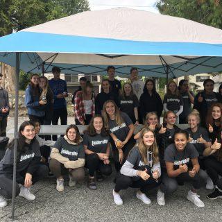 Leadership 11 students helping at Terry Fox Run BBQ